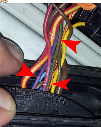 Škoda Yeti - kabelový svazek - sloupek A u řidiče